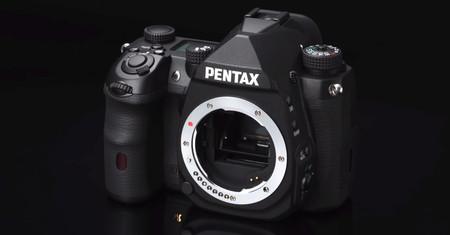 Ricoh da más detalles sobre la nueva réflex Pentax APS-C que será su modelo tope de gama y desvela tres nuevos objetivos