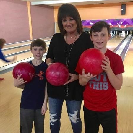 Darlene con sus nietos