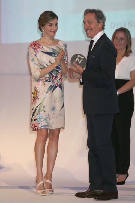 Doña Letizia apuesta por un vestido de Zara de hace (bastantes) años