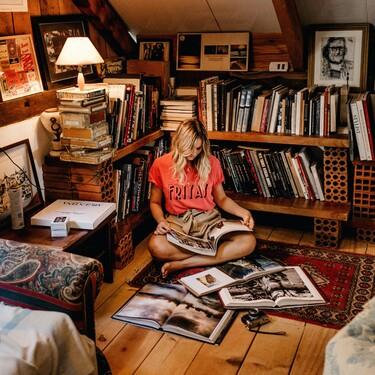 Baldas o estanterías para crear un rincón digno de Pinterest y aprovechar el espacio en las paredes