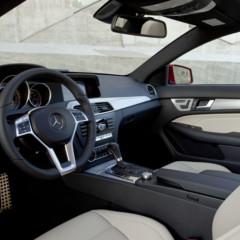 Foto 36 de 41 de la galería mercedes-benz-clase-c-coupe-2011 en Motorpasión