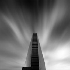 Foto 4 de 7 de la galería arquitectura-en-blanco-y-negro-por-kevin-saint-grey en Decoesfera