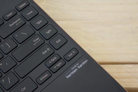Asus Zenbook Flip S Ux71 Review Analisis Sonido Teclado