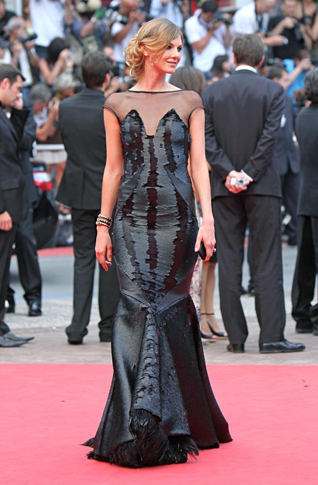 Foto de La alfombra roja en la clausura del Festival de Cannes 2011: ¡echaremos de menos tantos looks! (1/17)