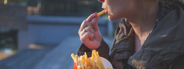 Por qué las grasas trans son un nutriente perjudicial y cómo evitarlas en la dieta diaria