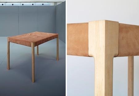 ¿Buena o mala idea?, cuero como material para la superficie de una mesa