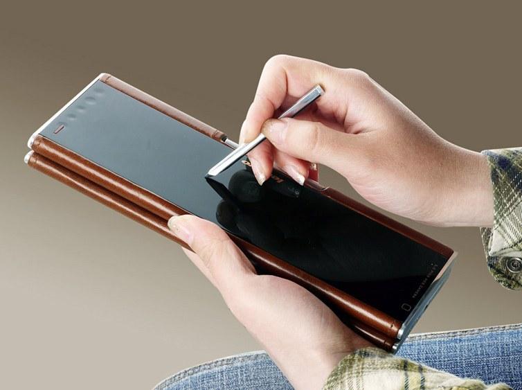 Foto de Lenovo Pocket Yoga (7/7)