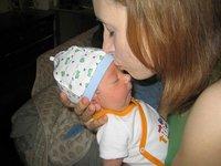 Reconocer si el bebé tiene fiebre por el tacto