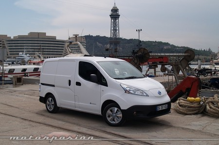 nissan-env200-furgon-1000-mp-01.jpg