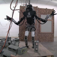 El robot Atlas está aprendiendo a hacer las tareas de la casa que tú no quieres hacer