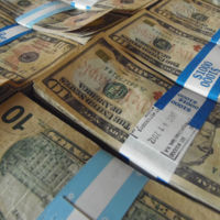 Veinteañeros pobres y endeudados, os debería de buscar la industria de gestión patrimonial
