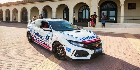 Honda Civic Type R Policia 3