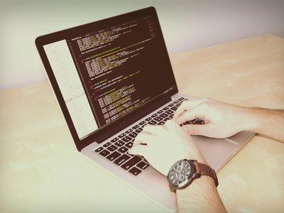 'Teach yourself to code', aprende a programar gratis con tutoriales recomendados por desarrolladores