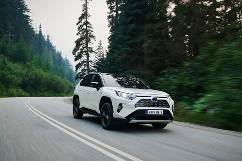 Probamos el Toyota RAV4 2019: sólo híbrido y más amplio y dinámico, desde 33.950 euros