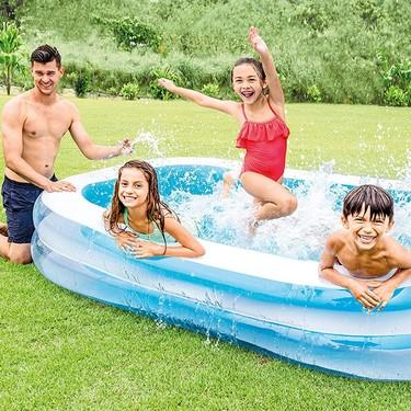 13 piscinas hinchables y juguetes para refrescarse con los niños en la terraza o el jardín