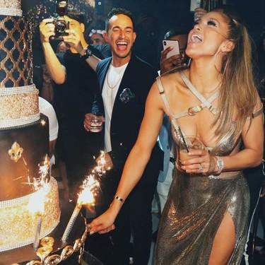 Jennifer López demuestra que los 50 tan solo son un número: su look para celebrar su cumpleaños y su épica fiesta nos han dejado alucinados