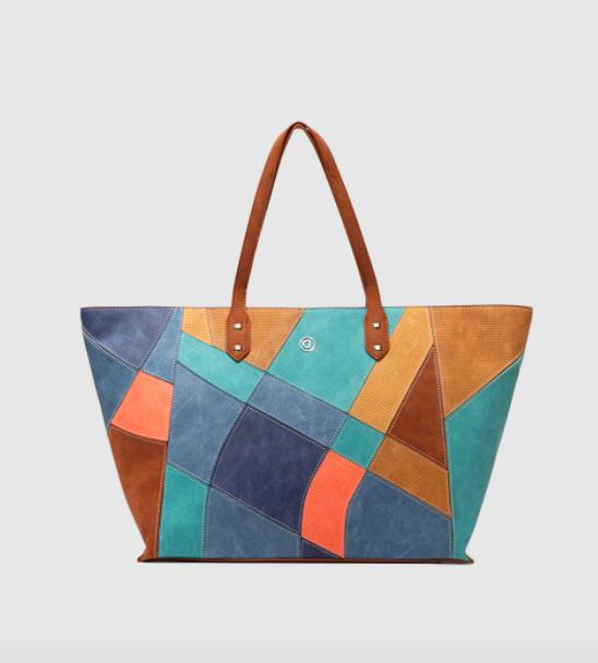 Shopping estilo patchwork Desigual