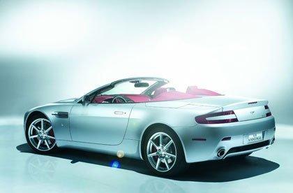 Aston Martin V8 Vantage Roadster, presentación oficial