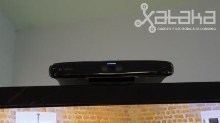 Logitech TV Cam HD sobre televisor