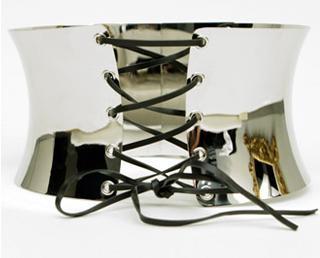 El corsé metálico de Dolce&Gabbana