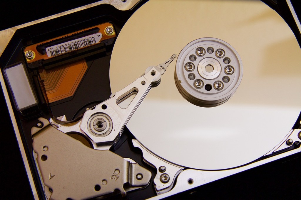 La rama 20H1 en la Build 19018, ya no admite eliminar la carpeta Descargas al liberar espacio del disco duro