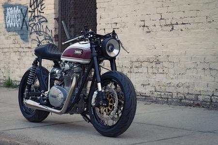 Esta Yamaha XS650 restomod de Cognito Moto roza la perfección de las café racer