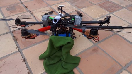 Un dron con dos granadas aterrizó en el patio del secretario de seguridad de Baja California, México