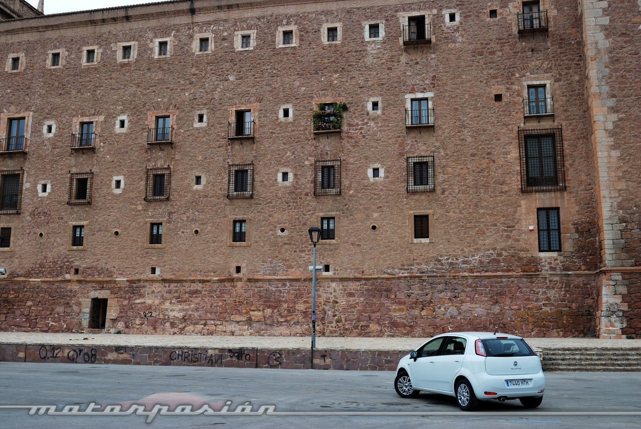 Foto de Fiat Punto 1.4 GLP (prueba) (11/70)