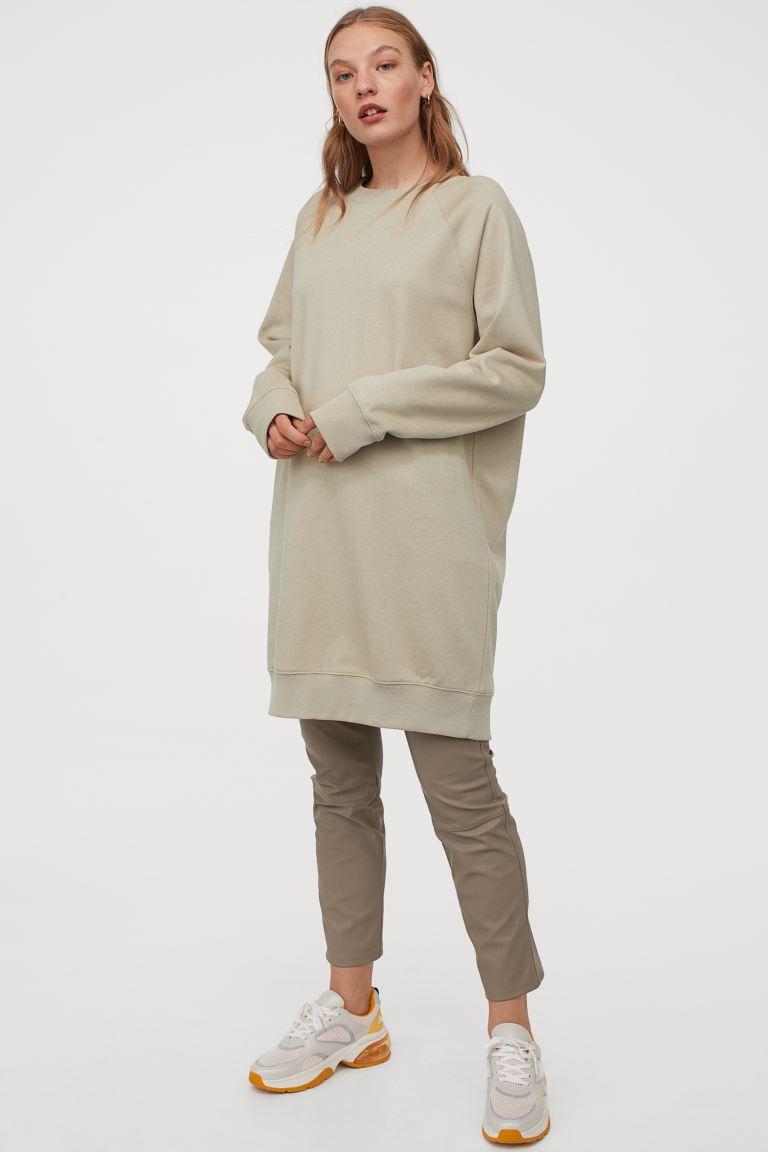 Vestido sudadera en color beige