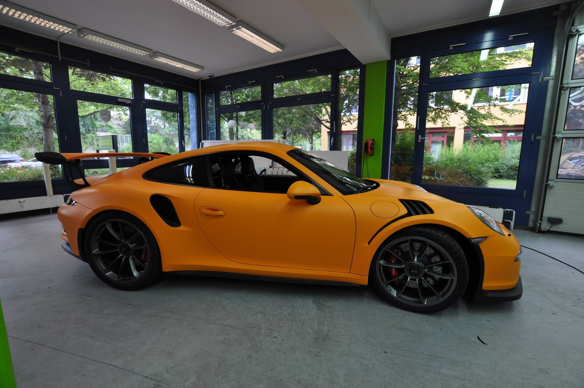 Foto de Porsche 911 GT3 RS naranja mate (6/12)
