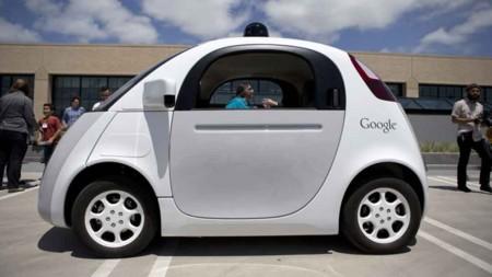 California se prepara y da a conocer las reglas para el uso de coches autónomos