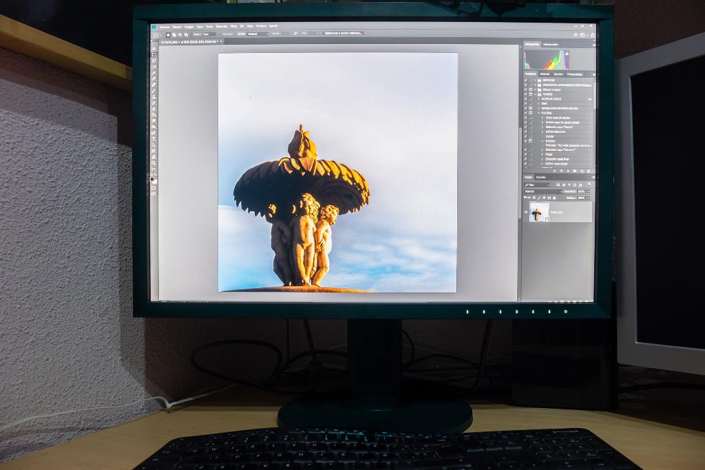 Eizo CS2420 ColorEdge, análisis: el monitor para fotógrafos avanzados que buscan la mejor calidad de imagen