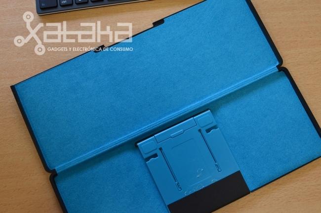 Foto de Logitech Keyboard Tablet (1/11)