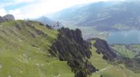 Ver este vídeo es lo más cerca (y seguro) que podemos estar de sentirnos un pájaro volando