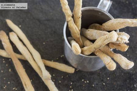 Receta básica de grissini, los adictivos palitos de pan típicos de Italia