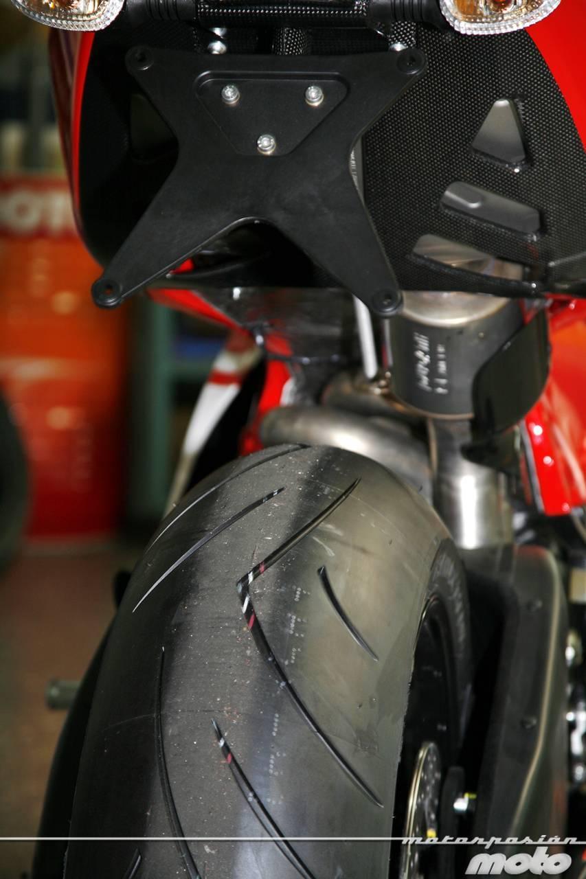 Foto de Ducati Desmosedici RR, toma de contacto (prueba dinámica y galería de fotos) (19/55)