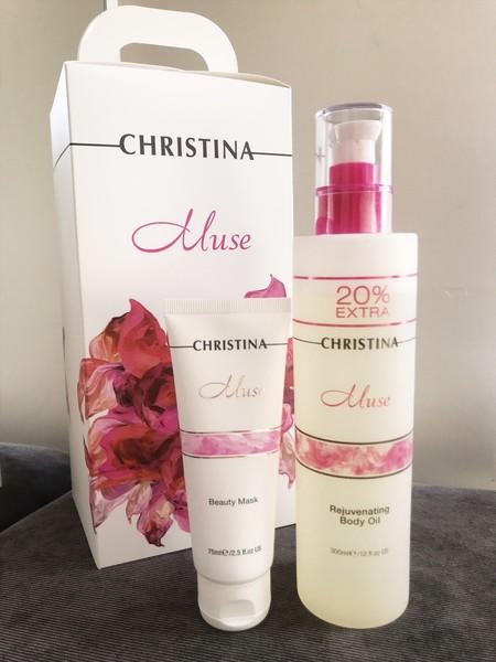 Nos dejamos embriagar por los pétalos de rosas de la línea Muse de  Christina Cosmeceuticals. Probamos el aceite corporal y la mascarilla facial