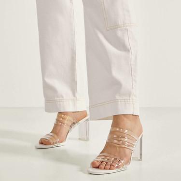 Bershka nos introduce a la época primaveral en forma de nueve (irresistibles) sandalias de tacón