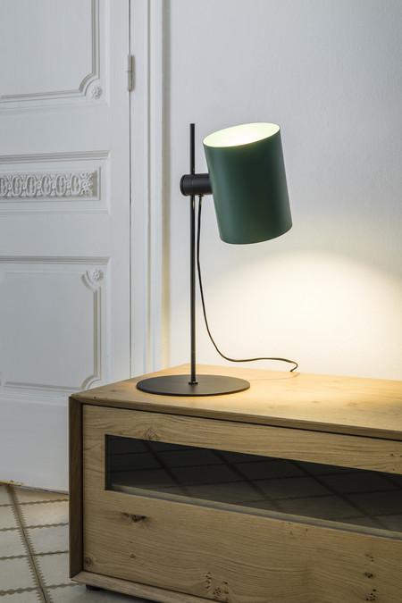 Una buena idea: luz ambiental y focal en una misma lámpara (dos en uno)