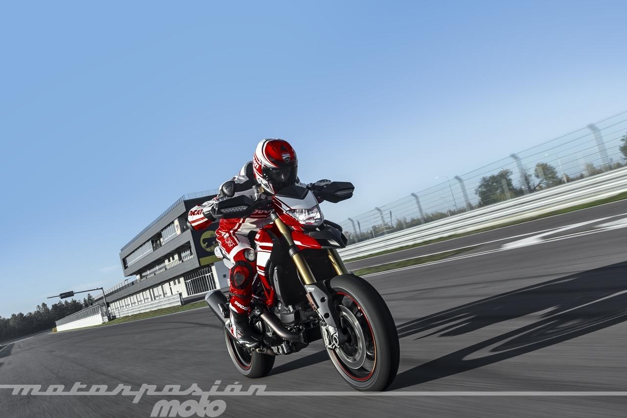 Ducati Hypermotard 939 Sp 14 25