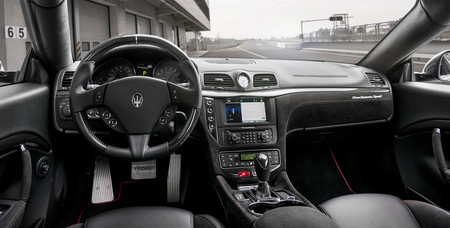 Maserati Granturismo Sport interior