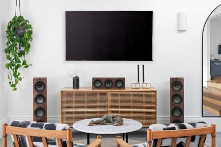 KEF renueva su gama de altavoces Q Series con un nuevo canal central más compacto y versátil