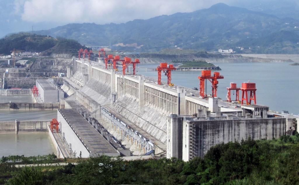 9  construcciones chinas ridículamente GIGANTES