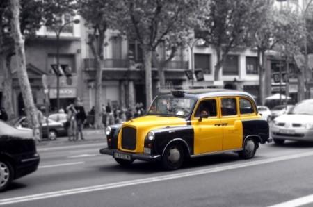 La Confederación del Taxi de España pide la prohibición de Uber