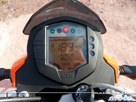 KTM 125 Duke, prueba (conducción en autopista y pasajero)