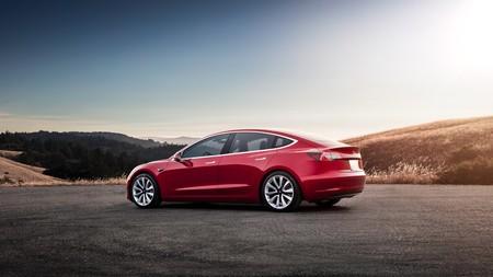 Tesla retrasa la llegada de la versión base del Model 3 hasta finales de 2018