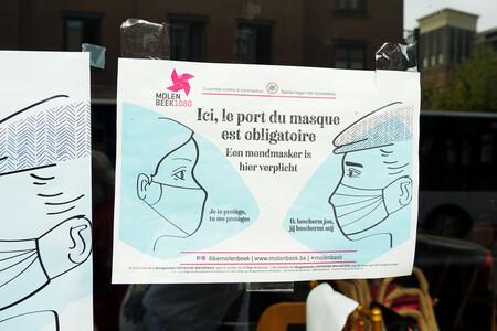 En pleno pico de contagios, Bélgica da el primer paso hacia la desescalada de las mascarillas