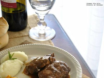 Carrilleras de cerdo al vino tinto en Crock Pot. Receta tradicional