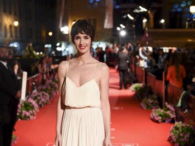 Paz Vega premiada por su trayectoria profesional en el Festival de Málaga con este bucólico vestido