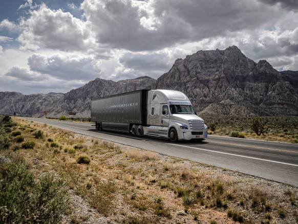 Foto de Freightliner Inspiration Truck (1/11)